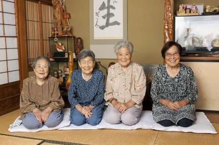 ぎんさん4姉妹の現在2017年は?娘たちの現在が!
